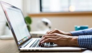 #GRADUANTOP10: How to job-hunt while working