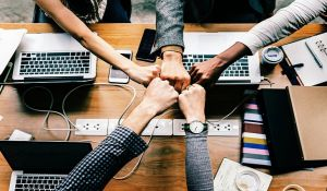 6 Ways To Get Along With Your Colleagues (Without Trying Too Hard)