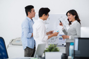 5 REASONS WHY YOU SHOULD BE A MANAGEMENT TRAINEE